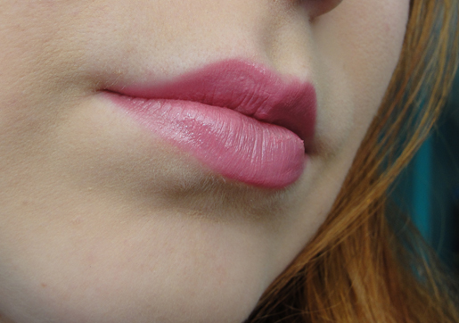 Batom rosa suave hydraseduction da Avon